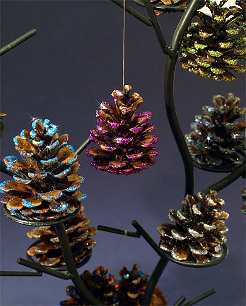 glitter-pinecones