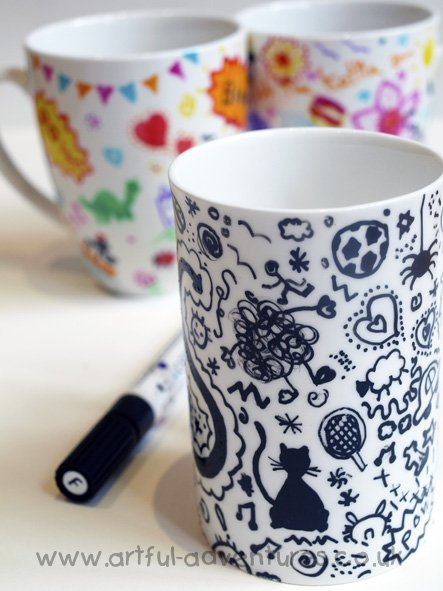 black-and-white-doodle-mug