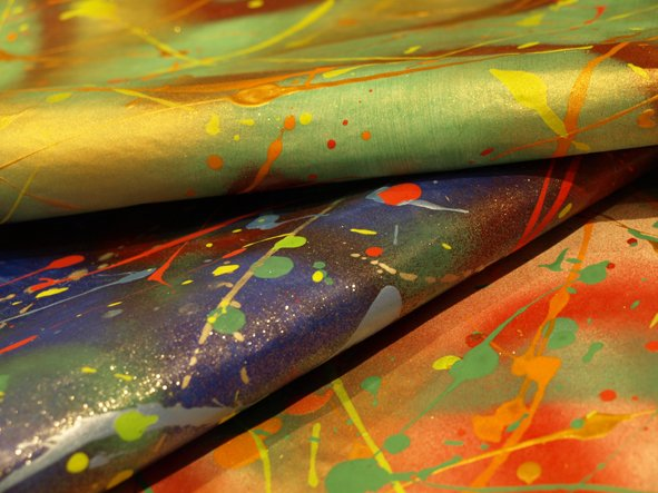 graffiti-gift-wrap