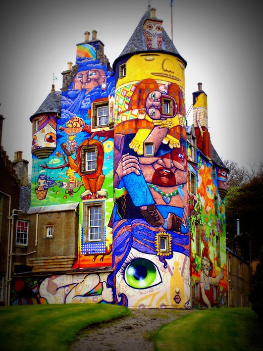 kelburn-castle-graffiti
