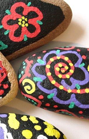 chalkboard-stones-detail